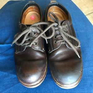 Doc Martens brown shoe. Great used condition